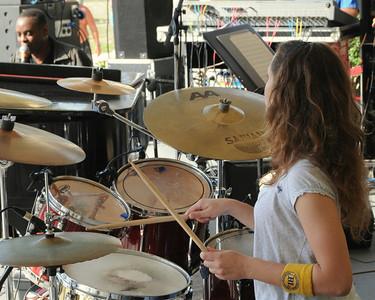 Nicole Marcus, drummer !