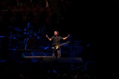 Pearl Jam Spectrum 10-30-09 097