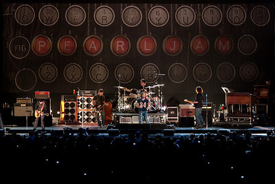Pearl Jam Newark 05-18-2010 138