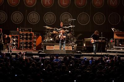 Pearl Jam Newark 05-18-2010 123