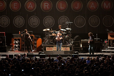 Pearl Jam Newark 05-18-2010 116