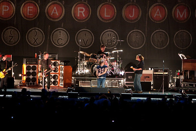 Pearl Jam Newark 05-18-2010 133