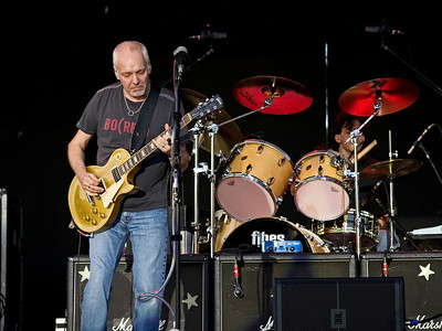 Peter Frampton live in concert at Six Flags Great Adventure on June 30th 2007.