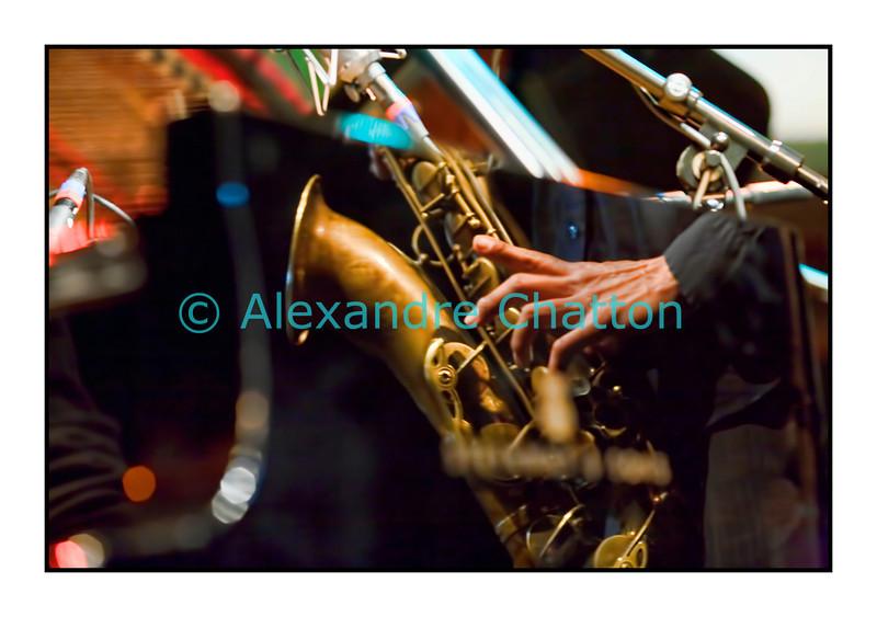 Reflets dans un piano.<br /> <br /> Mercredi 13 avril 2011: Le Mark Turner / Baptiste Trotignon duo en Espace JazzZ au Studio 15 de la RTS à Lausanne.