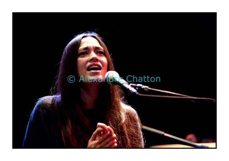"""Mardi 6 novembre 2012: Mai Lan en interview et en showcase dans """"El Blablo"""" en direct du Studio 15 de la RTS à Lausanne."""