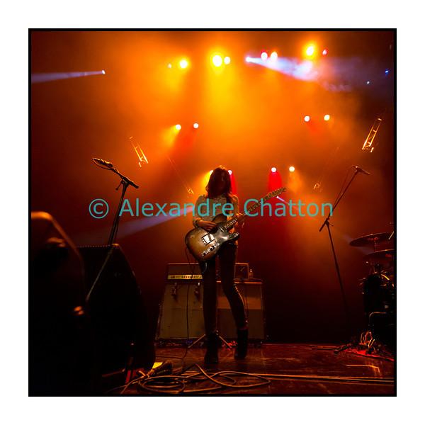 9 novembre 2012, Lausanne: Blood Red Shoes au Metropop Festival. Ici Laura-Mary Carter.