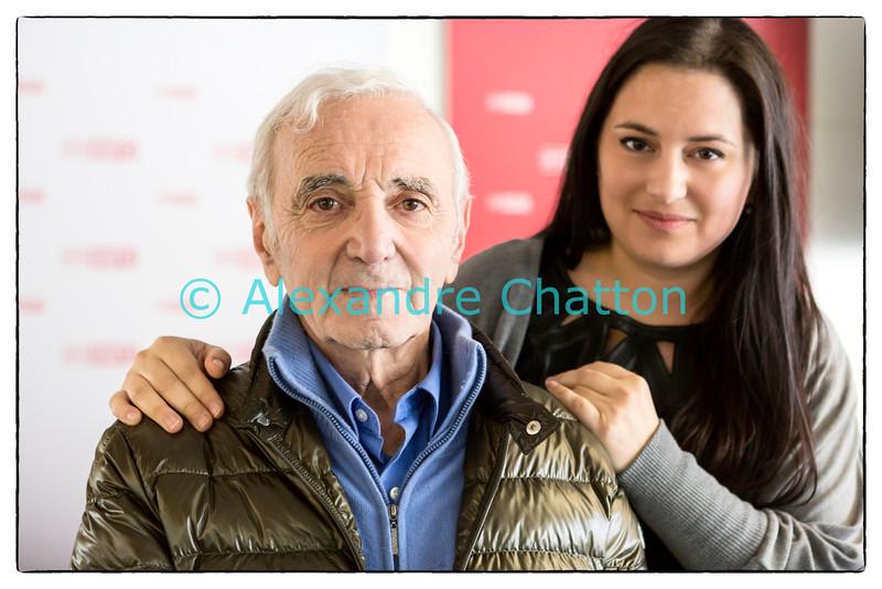 Vendredi 15 novembre 2013: Charles Aznavour avec la journaliste Karine Vasarino à la RTS à Lausanne.