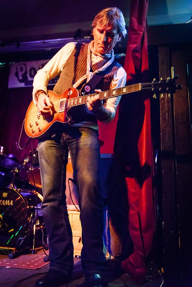Jim Maving Les Paul