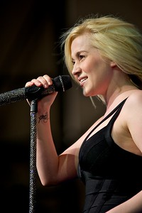 Kelly Pickler performs