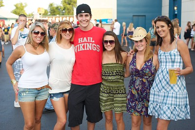 Ariel Fine, Ashley Busam, Kevin Housel, Saxon Scott, Michelle Osborne and Samantha Pauley of Cincinnati at Riverbend on Friday for Rascal Flatts