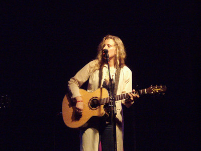 Raul's opening act.  Think Phoebe from Friends.