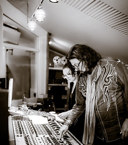 Alan Parsons working in the recording studio with Nick Mason from Pink Floyd