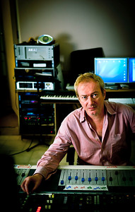 Music producer Andy Gill in the recording studio. Andy Gill is well known also for being a member of the Gang of Four.  http://www.RecordProduction.com   -  Watch our exclusive Andy Gill video interviews here:  http://www.recordproduction.com/andy_gill.htm