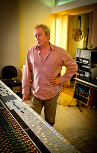Record producer Andy Gill in the recording studio. Andy Gill is well known also for being a member of the Gang of Four.  http://www.RecordProduction.com   -  Watch our exclusive Andy Gill video interviews here:  http://www.recordproduction.com/andy_gill.htm