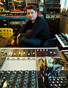 Bernard Butler - record producer - at Edwyn Collins recording studio London Watch Bernard Butler's video interview:  http://www.recordproduction.com/bernard-butler.html