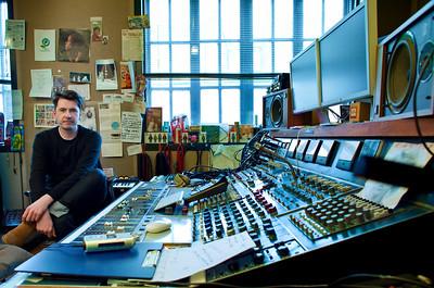 Bernard Butler - record producer - at Edwyn Collins recording studio London PUBLISHED:  Resolution Magazine, UK Watch Bernard Butler's video interview:  http://www.recordproduction.com/bernard-butler.html