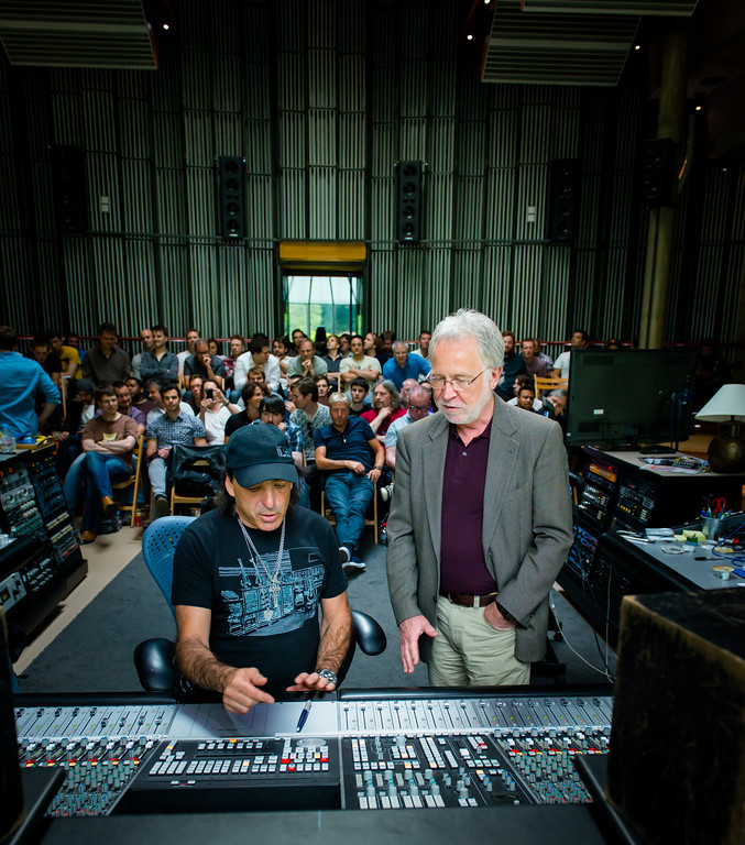 IMAGE: http://recordproduction.smugmug.com/Music/Record-Producers/Chris-Lord-Alge/i-gJRjNJr/0/XL/cla-realworld-2-Aug-2012-0746-XL.jpg