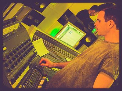 Clint Murphy tries the Decca Desk at Rimshot Studios