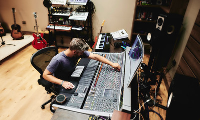Dan Gautreau working at his new recording studio