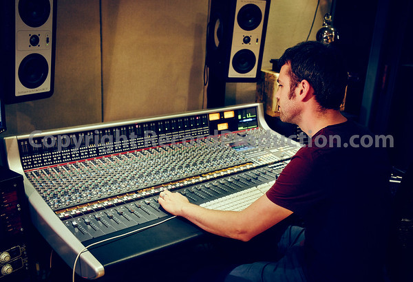 Iain Hutchison at Glo Worm Studios, Glasgow
