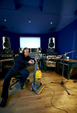 -  Watch Mike Bennett's video interviews here:  http://www.recordproduction.com/mike-bennett.html