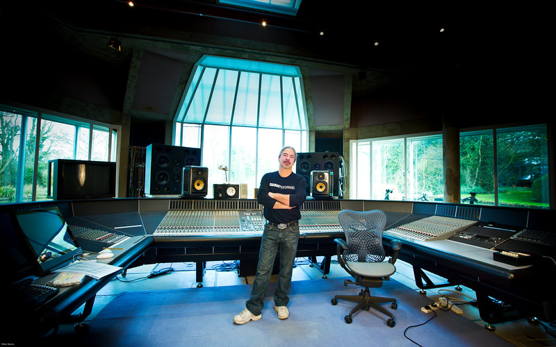 "Recording engineer Mike Fraser at Real World Studios England<br /> PUBLISHED:  Resolution Magazine, UK Watch our video interview with Mike Frase here:  <a href=""http://www.recordproduction.com/mike-fraser.html"">http://www.recordproduction.com/mike-fraser.html</a>"
