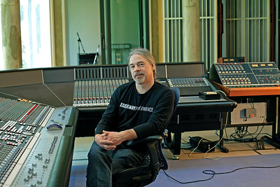 Mike Fraser, record producer and recording engineer at Real World Studios UK - www.recordproduction.com Watch our video interview with Mike Frase here:  http://www.recordproduction.com/mike-fraser.html
