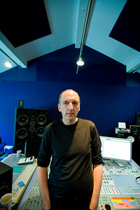 Record producer Steve Lipson at the mixing desk in the recording studio PUBLISHED:  Resolution Magazine, UK   -   Watch our video interview with Steve Lipson:  http://www.recordproduction.com/steve-lipson-record-producer.html