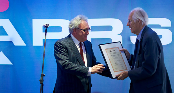 Trevor Horn receives his award from Sir George Martin, London, November 2009 Watch our exclusive video interview with Trevor Horn here:  http://www.recordproduction.com/trevor-horn-record-producer.html