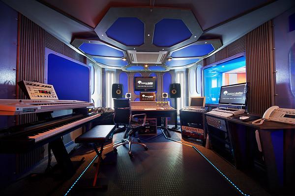 Chestnut Studios - futuristic looking London recording studio