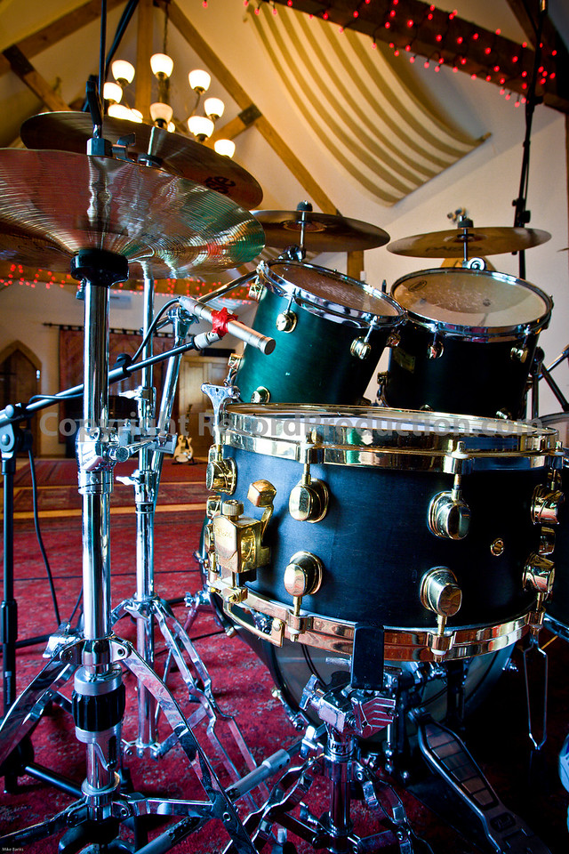 Leeders Farm Recording Studios - Fantastic residential music studio in the UK.  Drums in the recording area.