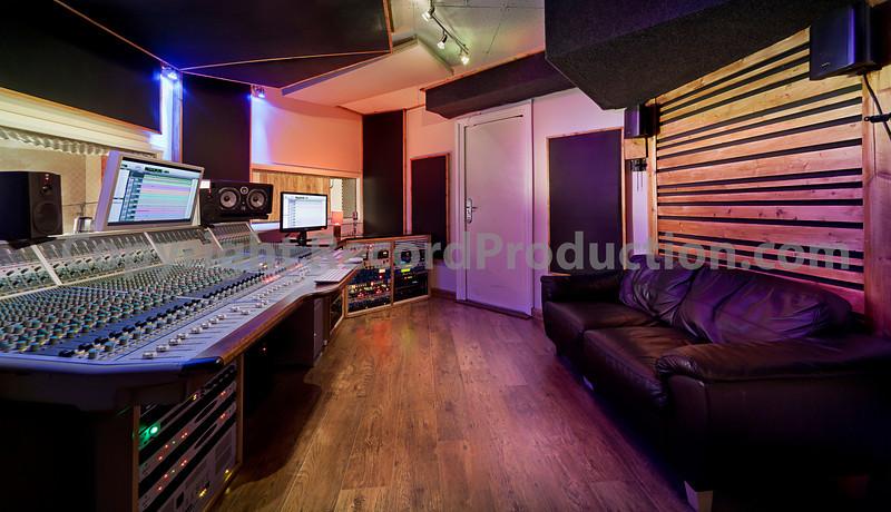 Parlour Sound Studios, Northamptonshire, UK