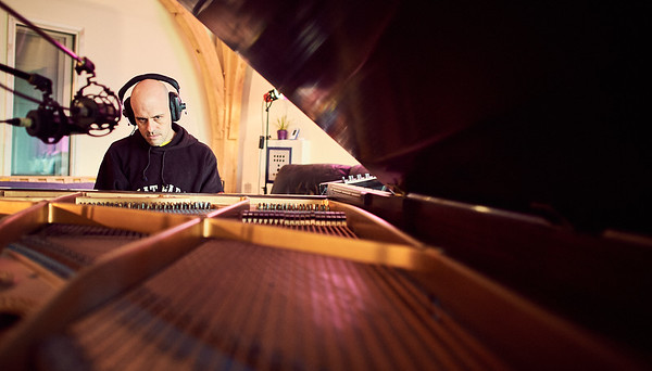 Nigel Powell playing piano