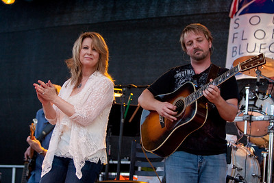 The Patty Loveless Band in Concert at Hollywood's Annual Red, White and Bluegrass Festival