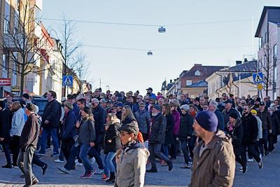 Många marscherade med Marinens Musikkår