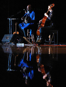 RIchie Havens and Stephanie Winters on cello.