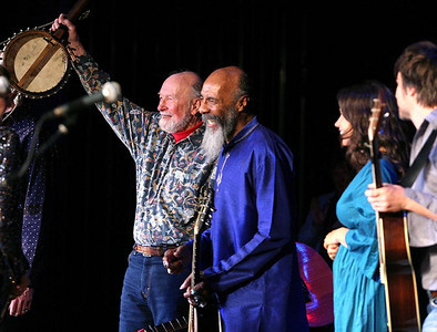 Pete Seeger, Richie Havens, Sara Lee Guthrie and Johnny Irion.