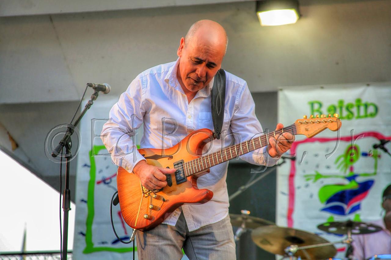 Julio Fernandez, guitarist for Spyro Gyra