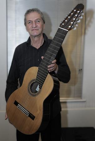 Robert Beer - Classical Guitar