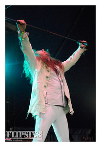 Jesse Harnell (Vocals)