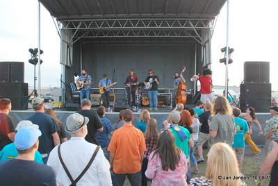 The New Familiars -  American Rock & Roll band from Charlotte, NC  Daniel Flynn (drums);   Justin Fedor (vocals/guitar/mandolin) Pat Maholland (bass);   Josh Daniel (vocals/resonator/guitar)  http://www.thenewfamiliars.com Booking agent: Brad Madison Mongrel Music brad@mongrelm.com   415 485 5103
