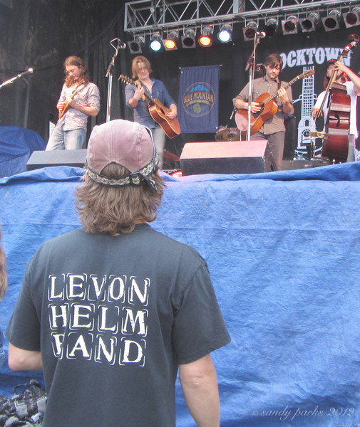 Yarn, playing a song for Levon