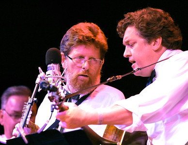 "Jerry Douglas presents "" The Earls of Leicester"