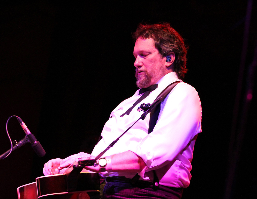 """Jerry Douglas presents """" The Earls of Leicester"""