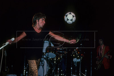 RS_LP_1004 Rod Stewart Kicks Soccer Balls Into the Audience During a Live Concert Performance in at Madison Square Garden in New York City, New York