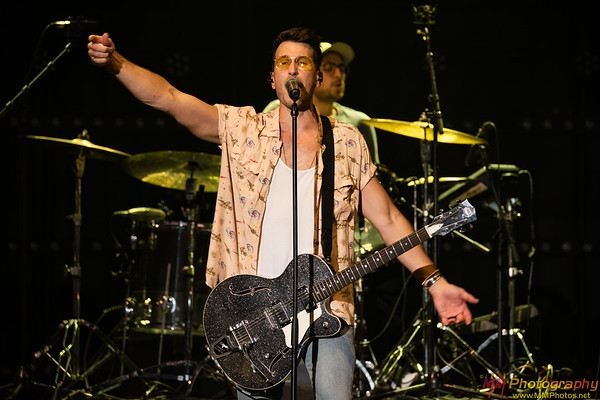 Russell Dickerson 012