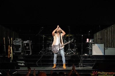 Russell Dickerson 001