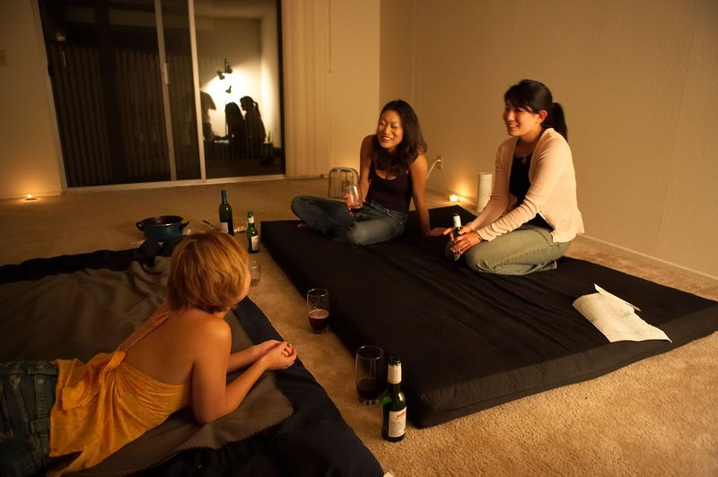 Hanging out one evening with Cindy Mong, Ivy Zenobi, Ilya Levtov, Cory Bonn, and Shoanie Young