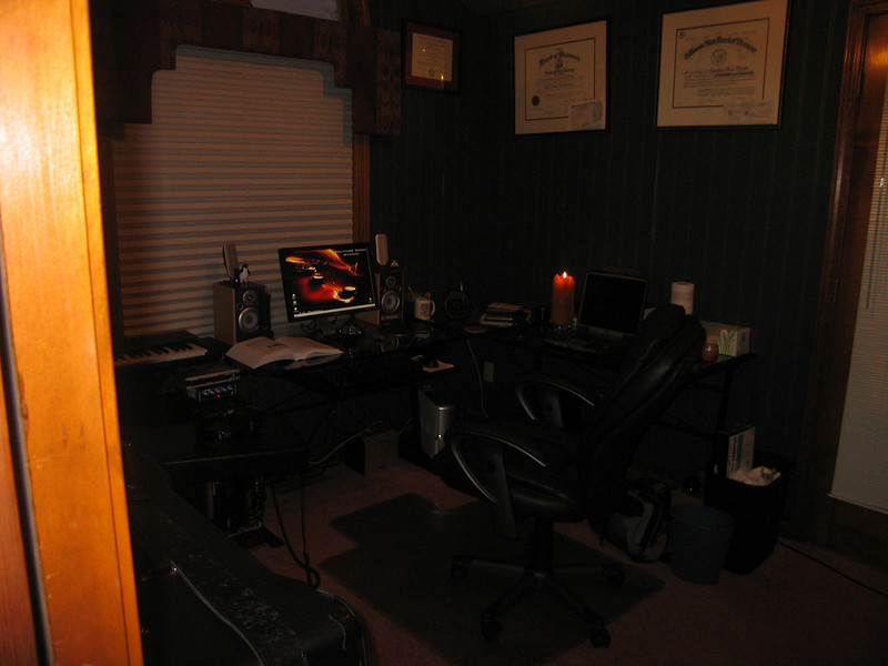 This is what the studio looks like when Im in it !