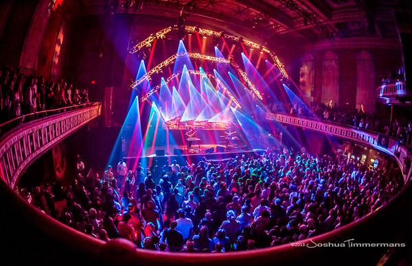 STS9-20131229-210